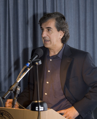 Nicolás Bares lectures about the Faculty of Architecture and Urbanism Master in Architecture